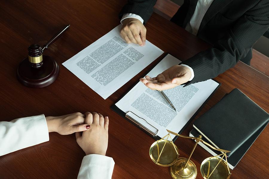 Divorce lawyer in Parramatta meeting a client